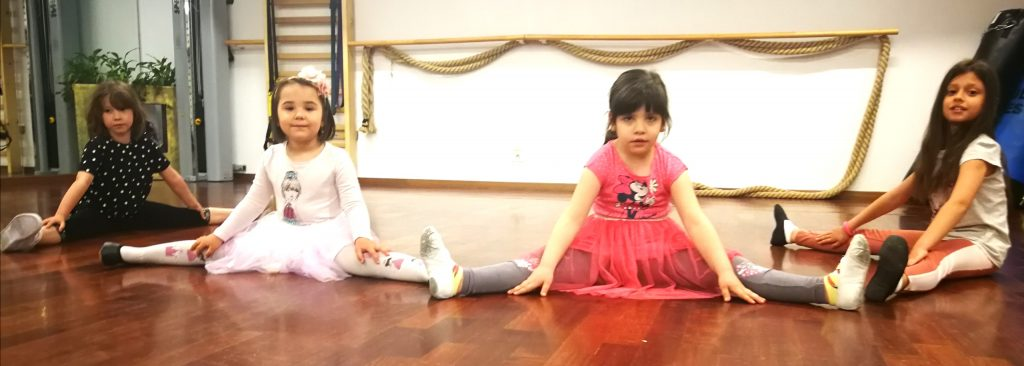 copiii la dansuri