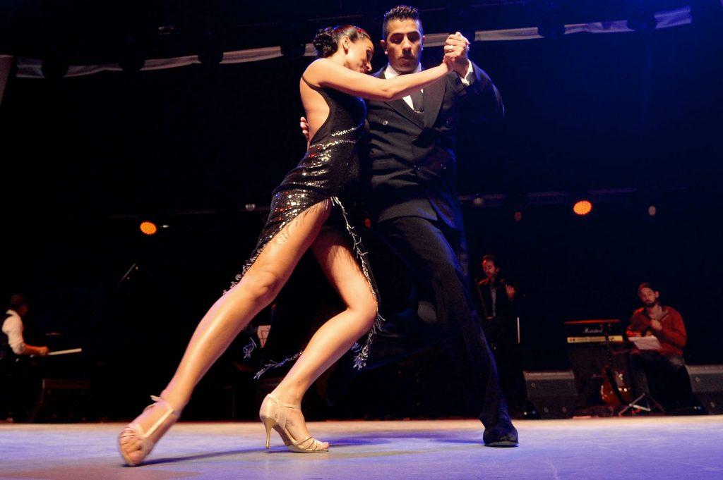 Tango - descrierea dansului - Scoala de Dans DAnceTime- Cursuri tango